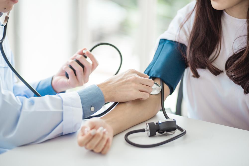 teszteket vesznek fel a magas vérnyomásról hátfájás hipertónia osteochondrosis