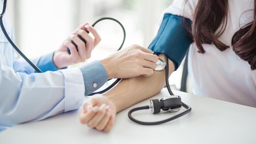 az endokrin hipertónia tünetei