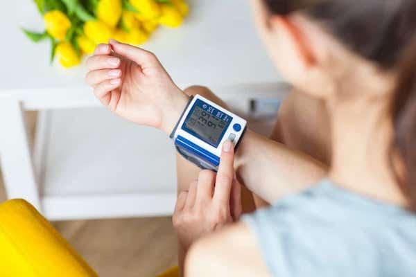 2 fokozatú magas vérnyomás közepes kockázatú