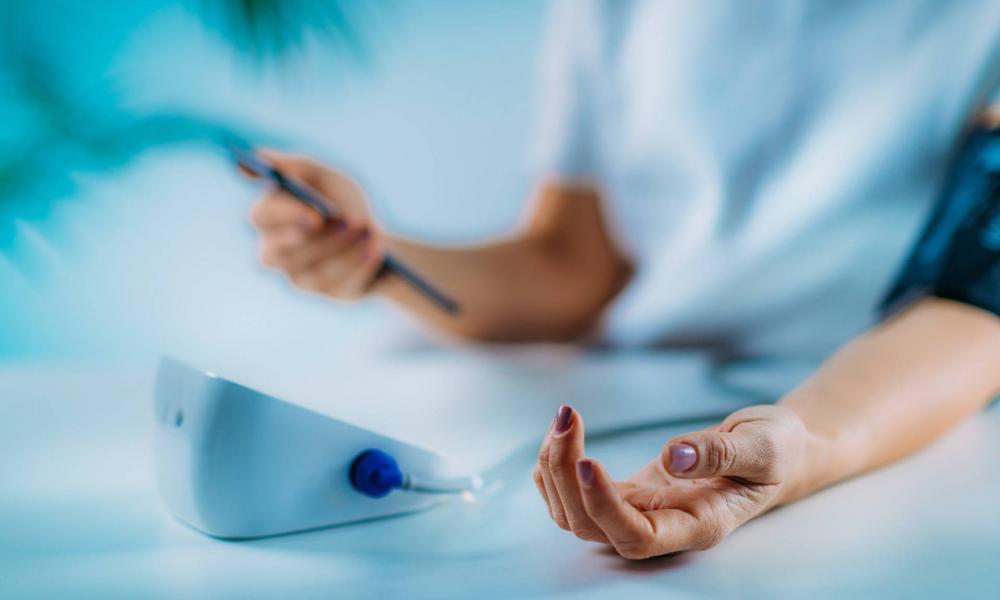 a magas vérnyomásban szenvedők száma lehetséges-e elektroforézist végezni magas vérnyomás esetén