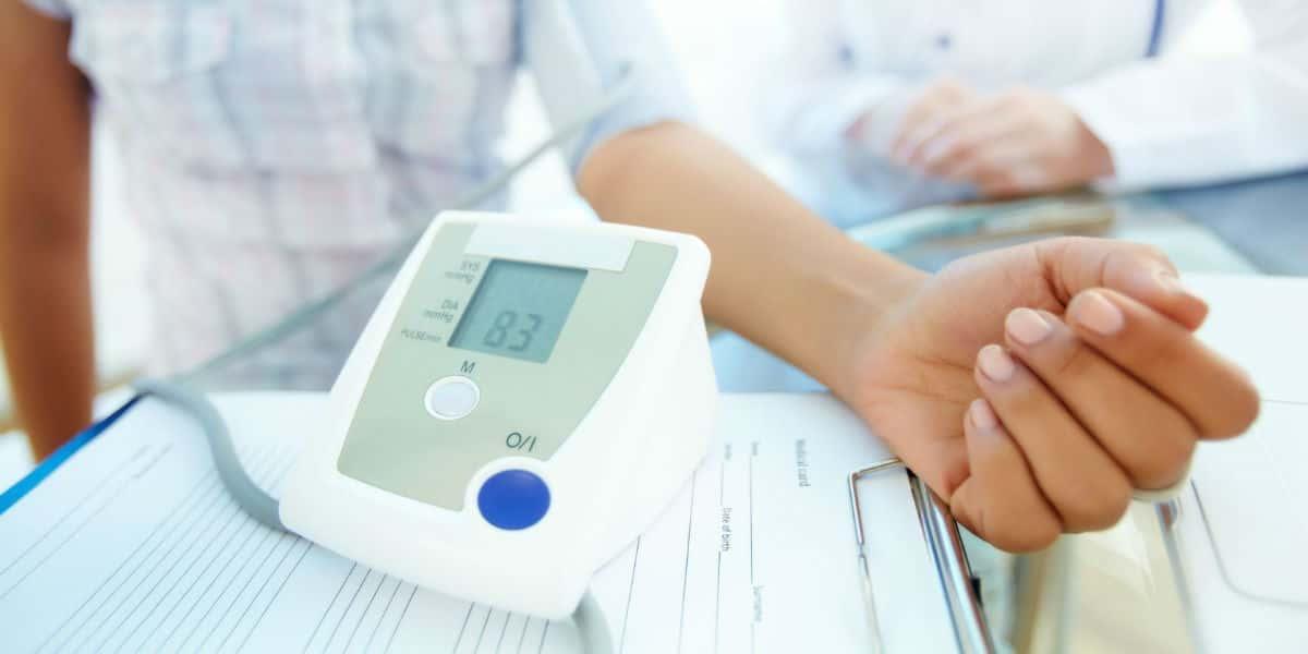 magas vérnyomás és pulzus vele