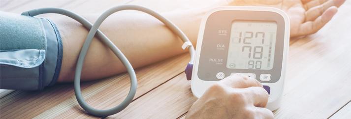 magas vérnyomás csoportonként és kockázat szerint magas vérnyomás következményeként