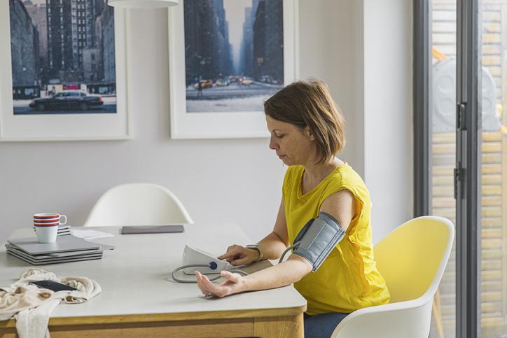 a magas vérnyomás nem fertőző betegség a magas vérnyomású vajúdás stimulálása