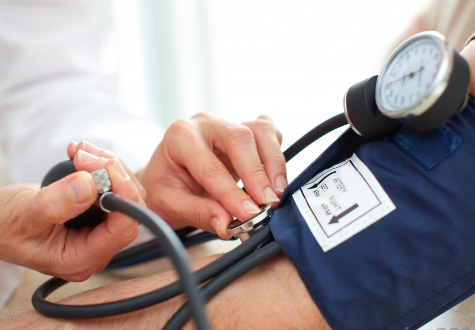 magas vérnyomás a nyomásesés okai a magas vérnyomás alternatív kezelése 1 fok